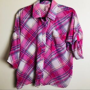 Dolled up shirt by Fang size Medium N17